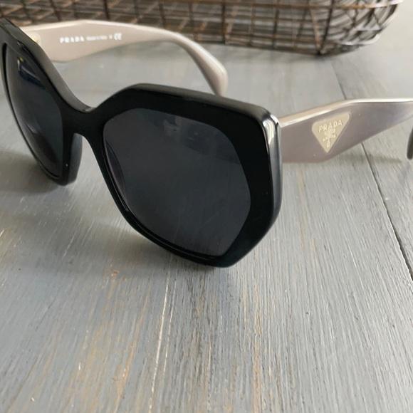 Prada angular sunglasses black/brown